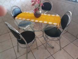 Mesa de vidro 4 cadeiras otimo estado