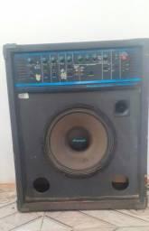 Vendo ou troco Caixa amplificada potente para instrumentos musicais pouco uso sem defeito!