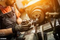 Vaga de emprego - Torneiro Mecânico