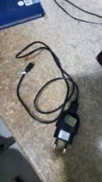 Um celular Multilaser novinho