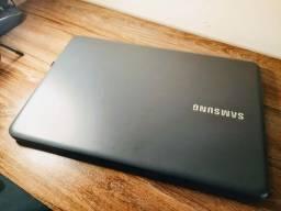 Samsumg Essentials  15.6 polegadas