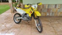 DRZ 400 cc - Moto de trilha Suzuki