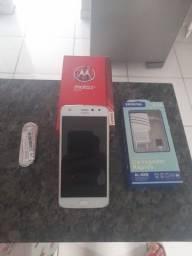 Motorola Moto Z2 Play Gold, 04 GB de ram, 64 GB de armazenamento