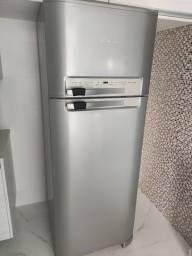 Refrigerador geladeira Electrolux Frost Free Duplex Celebrate DF48X - 411L