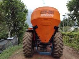 Distribuidor de adubo sementes e calcário DAC cremasco 900
