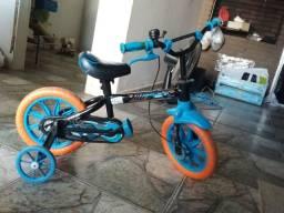 Bicicleta aro 12 menino