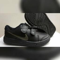 SÓ $49!! Tênis Infantil Nike Preto/Cinza