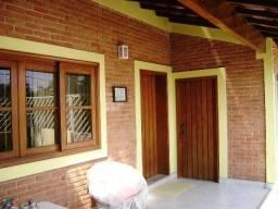 Casa térrea com 3 quartos e churrasqueiras - Itatiba - Estuda troca parcial !