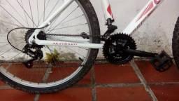Vendo bicicleta caloi aro 26 com suspensão dianteira