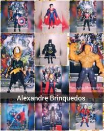 Bonecos de heróis