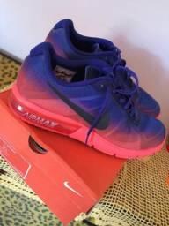 Tênis Air Max Sequent Nike