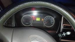 Venda de Caminhão Baú - 2010