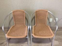 Cadeiras para Jardim na cor alumínio com bege, usadas em ótimo estado