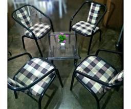 Conjunto 4 cadeiras + mesinha