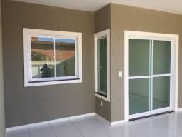 Casa nova, 3 quartos, 2 wc's, ônibus na porta, garagem, sala, cozinha, quintal