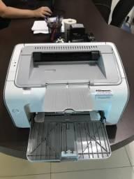 Impressora HP laserjet p1102 semi nova
