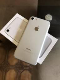 IPhone 7 32gb prata. Completo! Cartão até 6x com acréscimos