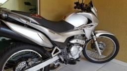 Falcon injetada 12.700 super conservada e pra quem conhece a moto.dispenço curiosos - 2012