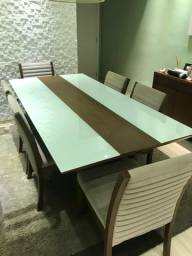 Linda mesa 6 lugares e aparador madeira 1mX2m