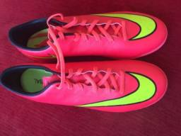 111b45f943 Chuteira futsal Nike mercurial e caneleiras