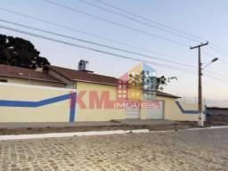 Aluga-se ampla casa com piscina na Av. Mota Neto - KM IMÓVEIS
