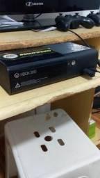 Xbox 360 Console + jogos Sem controle