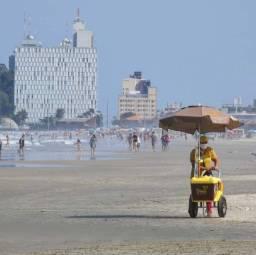 Caiobá praia mansa apto 05 pess natal e ano novo c/ar-wi-fi-sky-garagem