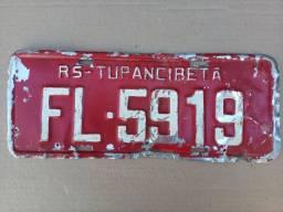 Placa vermelha antiga carro