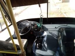 Vende se um micro onibus 2001
