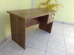 Mesa Escrivania para Escritório, Computador, ou para Home Office em Geral