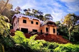 Vila Pora 4 suites, fase final de obra