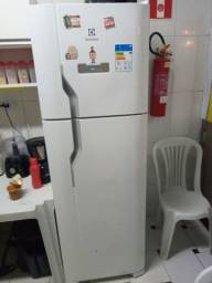 Geladeira Electrolux Duplex Frost Free