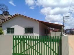 Vendo ótima casa de 03 quartos, financiável em Piúma-ES, próxima a praia.