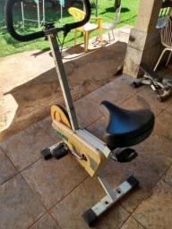 Bicicleta Ergométrica Fixa Para Exercício na Pandenia
