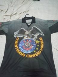 Vendo camisa Retrô Corinthians por 25 reais telefone *