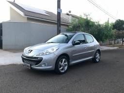 Peugeot 207 1.4 Flex Quicksilver 2010