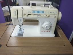 Máquina de Costura Singer- retirada Menino Deus