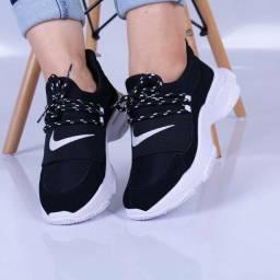 Vendo Tênis Nike e Tênis Juliete ( 140 com entrega)