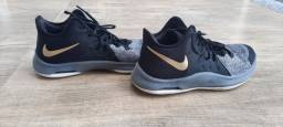 Tênis da Nike Air Versitile III