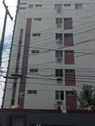 Apartamento para alugar com 04 quartos em Boa Viagem