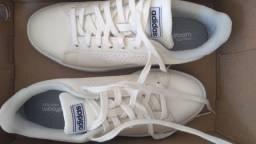 Tênis Adidas Original Tamanho 40