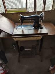 Máquina de custura antiga