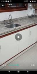 Vendo belíssima cozinha com granito conforme descrição no anuncio.