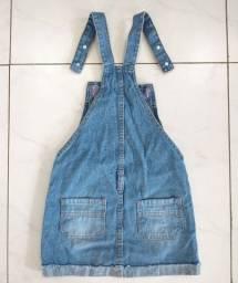 Jardineira jeans infantil feminina Usada