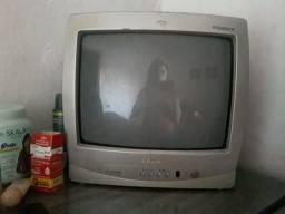 Vendo uma televisão