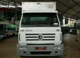 Caminhão Baú 2011