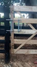 Porteiras, portões, cercas, ferro e madeira