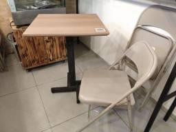 Mesa para lanchonete ou hamburgueria com 4 cadeiras.