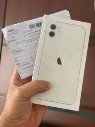 iPhone 11 128 GB ( lacrado e nota fiscal )