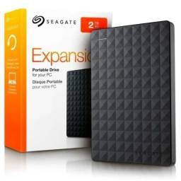 """HD Externo Seagate Expansion 2TB / 2.5"""" / USB 3.0 - Preto (STEA2000400)"""